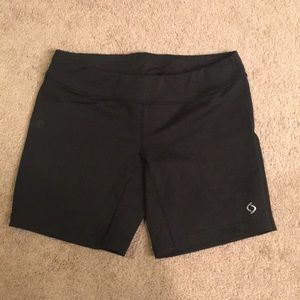 Moving comfort shorts size L